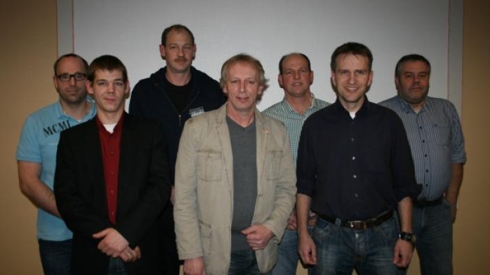 Die Direktkandidaten für die Kommunalwahl v.l.: Jan Dohrn, Dennis Stoy, Maik Warncke, Hans-Walter Schoof, Hermann Hanssen, Jan Martens, Thomas Kraus, Foto: Erhard Stollberg